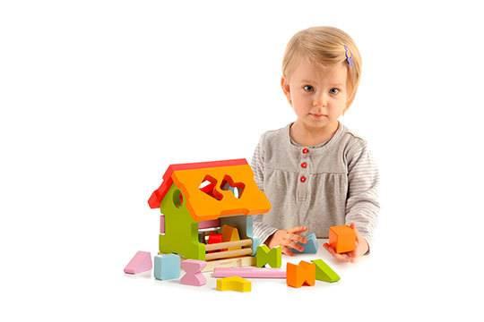 10 лучших развивающих игрушек для детей от 2 лет - рейтинг 2021