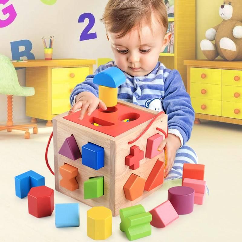 10 лучших развивающих игрушек для детей от 2 лет