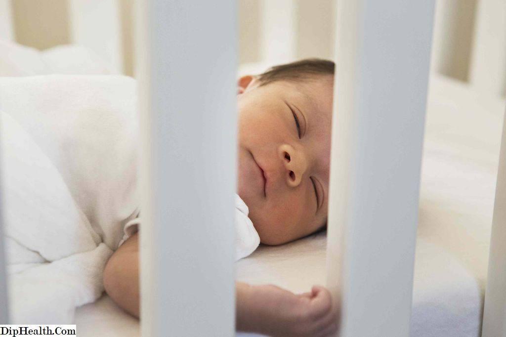 Как научить новорожденного спать всю ночь: заставить грудничка спать дольше