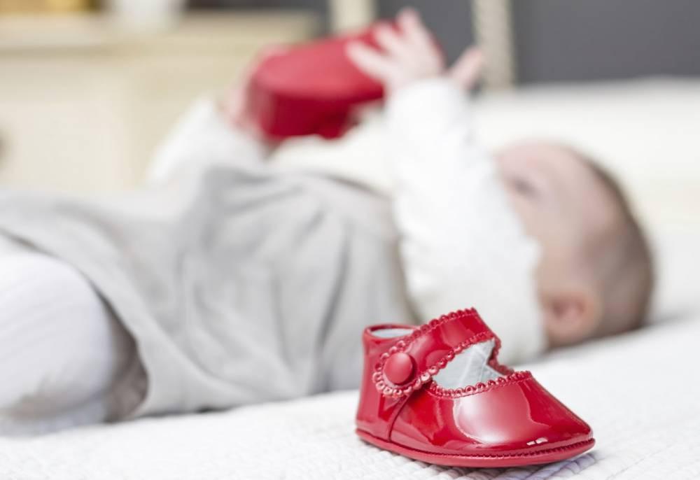 Вы одеваете своим деткам обувь после кого-то?