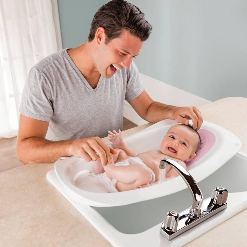 Как правильно мыть и подмывать новорожденную девочку: видео-уроки интимной гигиены и ухода. интимная гигиена девочек: как подмывать новорожденную