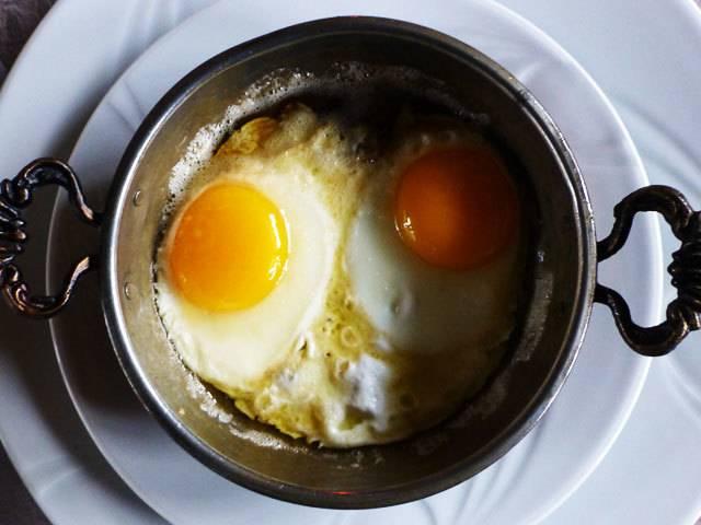 Можно вареные яйца при гв. можно ли кормящей маме кушать яичницу и омлет: польза куриных и перепелиных яиц при грудном вскармливании