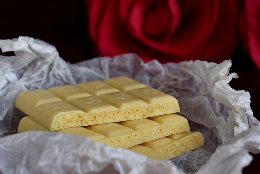 Шоколад при грудном вскармливании: употреблять или нет