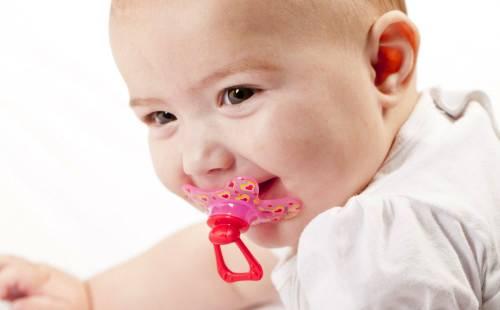 Можно ли давать пустышку новорожденному