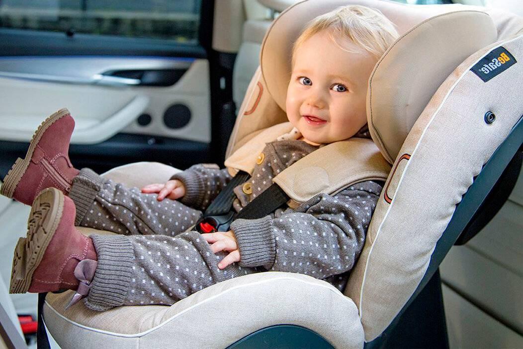 Перевозка ребенка на переднем сиденье автомобиля – можно или нет?