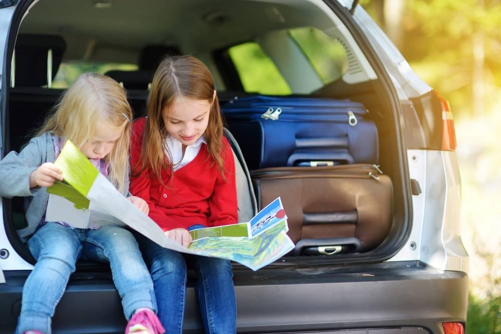 Путешествуем с детьми на машине – что важно знать