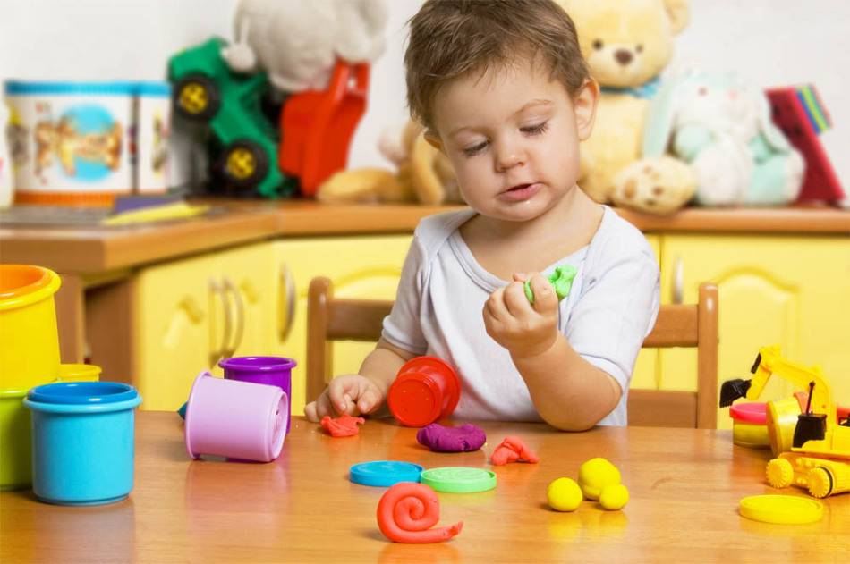 Развивающие игрушки для ребенка в 4 месяца: что нужно купить малышу?