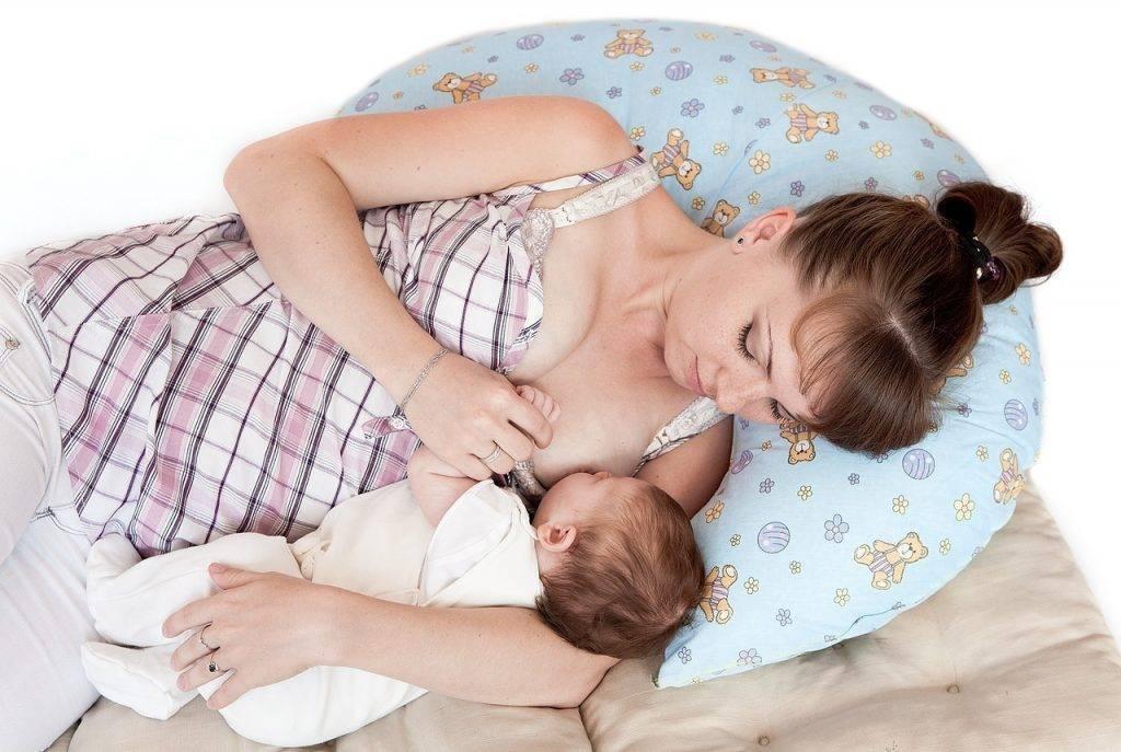 Позы для кормления грудью новорожденного ребенка