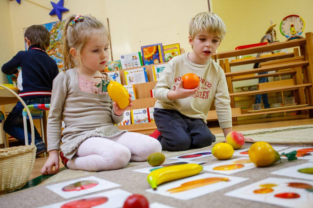Как развивать ребенка в 6 месяцев: игры и занятия с 6-месячным малышом