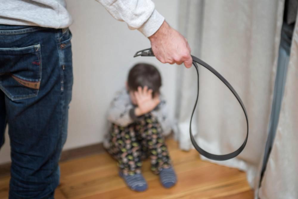 Можно ли бить детей в целях воспитания: мнение специалистов