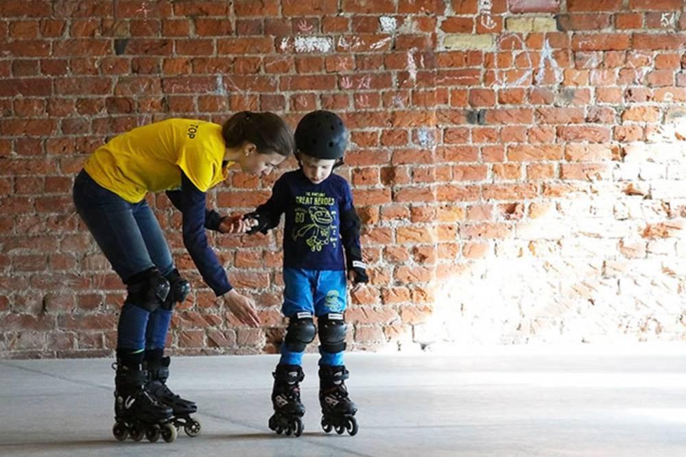 Как научить ребёнка кататься на роликах, видео