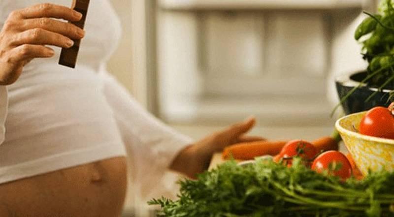 Чем грозит неправильное питание во время беременности?