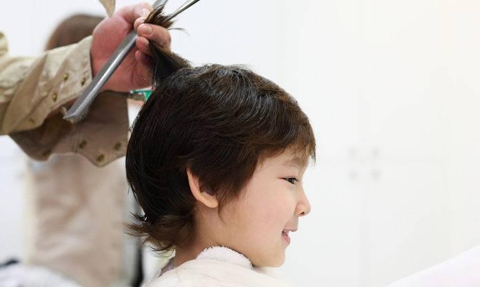 Когда стригут волосы новорожденному