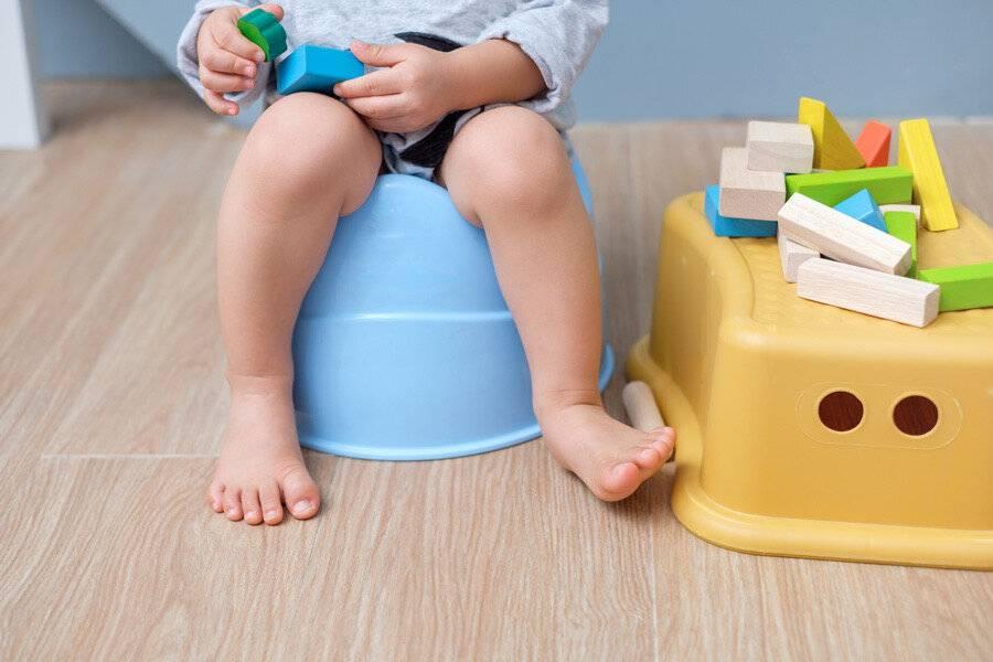 Как отучить ребенка от подгузников и приучить к горшку?