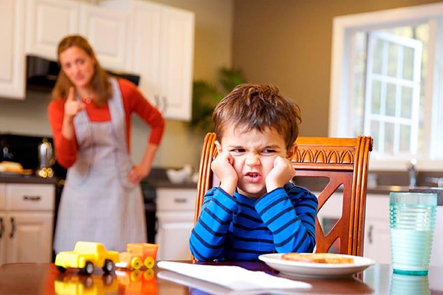 Почему нельзя кормить ребенка насильно, и что делать, если ему нужно поесть