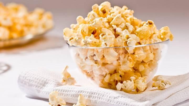 Можно ли есть кормящей маме попкорн