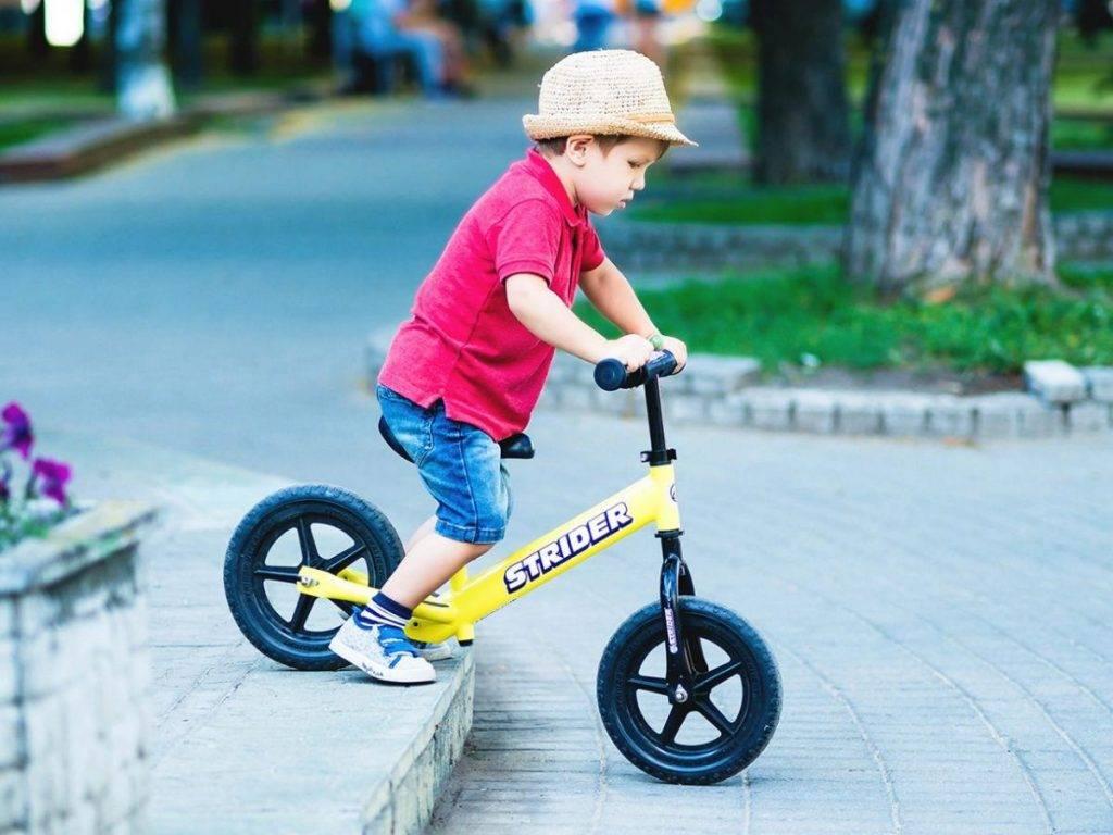 Топ-10 трехколесные детские велосипеды с ручкой 2021.рейтинг лучших
