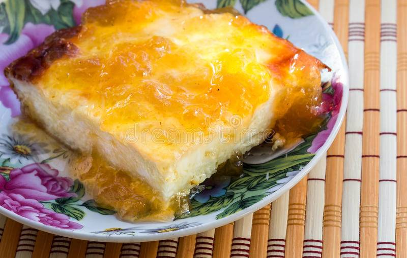 Творожная запеканка в духовке — 10 вкусных и простых рецептов