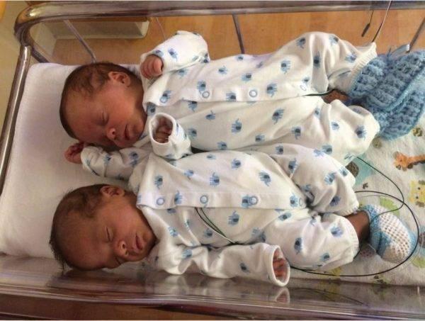 На каком сроке рождается двойня, во сколько недель двойняшки считаются доношенными?