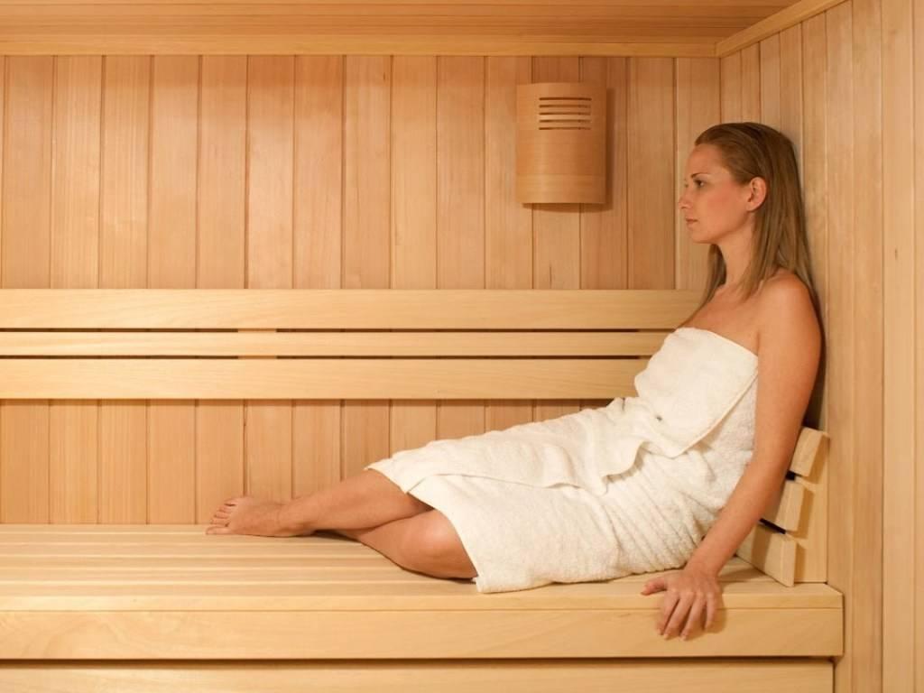 Можно ли беременным ходить в баню или сауну, на ранних сроках мыться в горячей бане, париться, почему нельзя