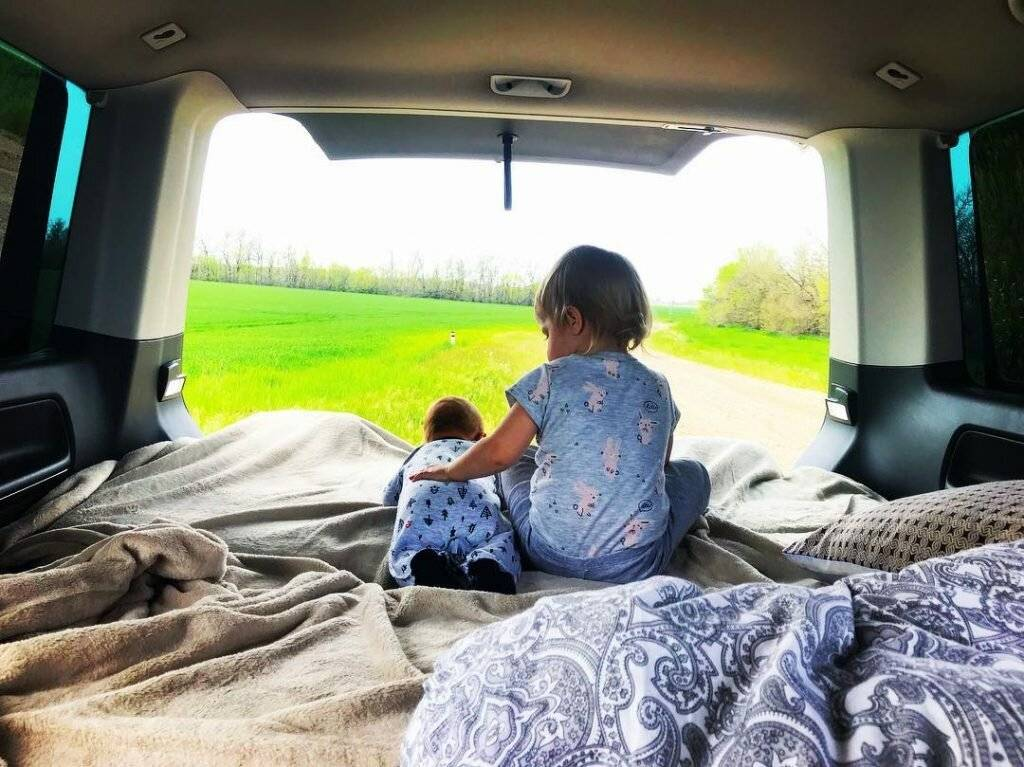 Секреты авто-мамы: как путешествовать с ребенком на машине