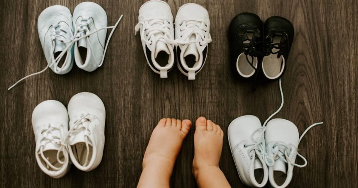 Как приучить ребенка носить обувь? - болталка для мамочек малышей до двух лет - страна мам