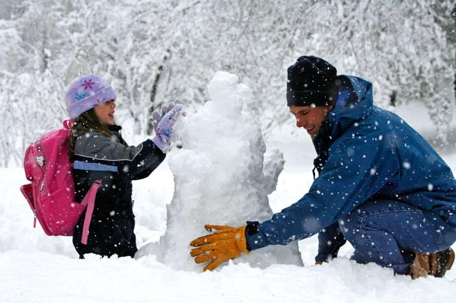 Чем заняться зимой на улице, дома или в деревне? чем заняться зимой на каникулах?