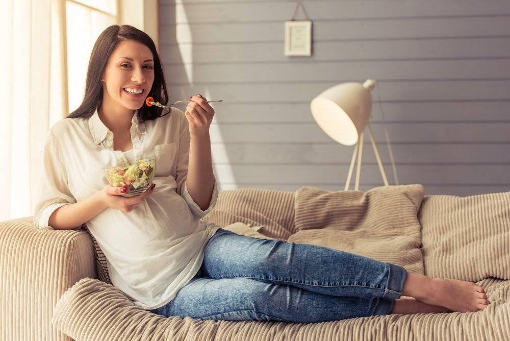 6 полезных продуктов, которые напрасно запрещают беременным
