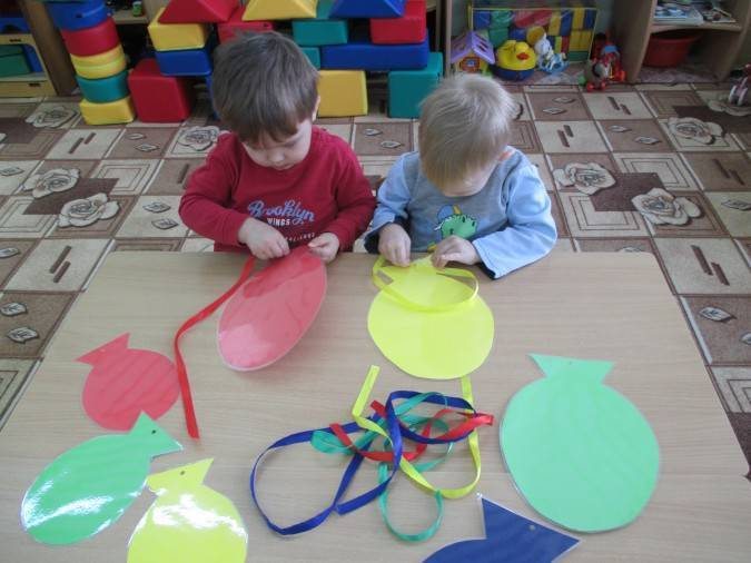 Картотека дидактических игр по сенсорному воспитанию для детей младшего дошкольного возраста. воспитателям детских садов, школьным учителям и педагогам - маам.ру