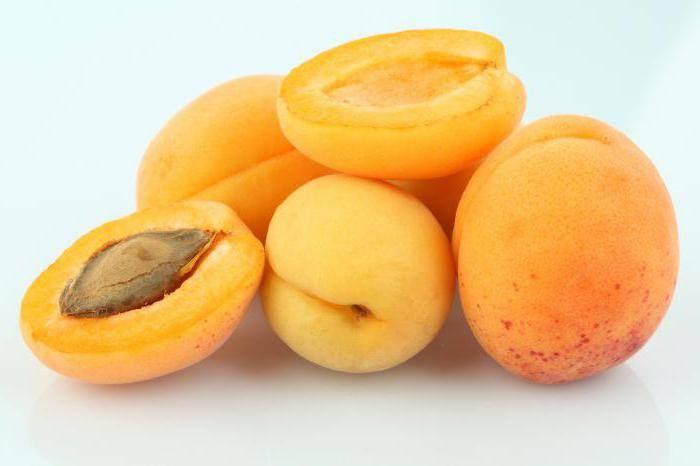 Можно ли нектарин при грудном вскармливании: чем полезен фрукт, вреден или нет при кормлении новорожденного, кушать ли его кормящей маме в первый, второй месяцы гв?