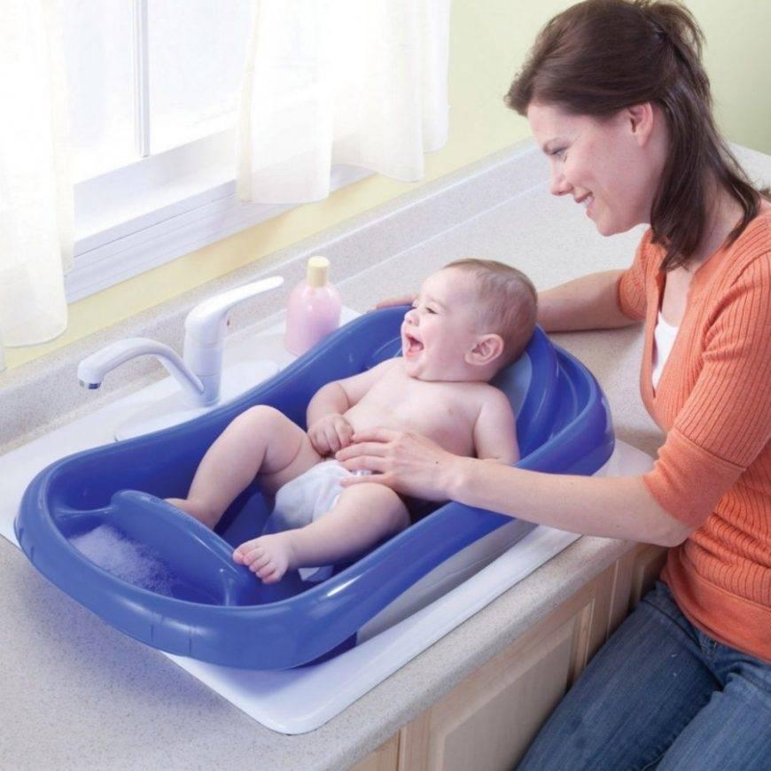 Когда лучше купать новорожденного: до или после еды, можно ли и через сколько после кормления ребенка рекомендуется проводить водные процедуры?