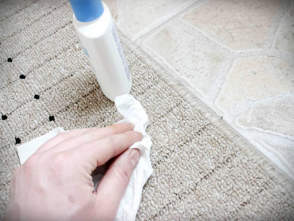 Как избавиться от запаха мочи на ковре? – детской, кошачьей и собачьей