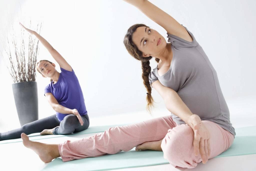 Йога для беременных: 2–3 триместр, упражнения в домашних условиях, видео