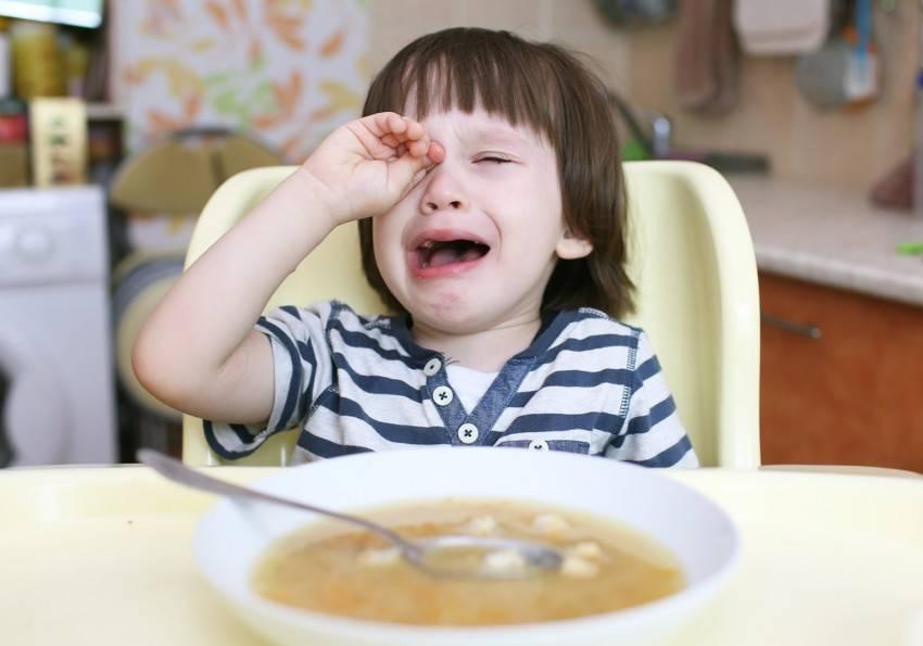 Ребенок не хочет есть первое (суп), что делать