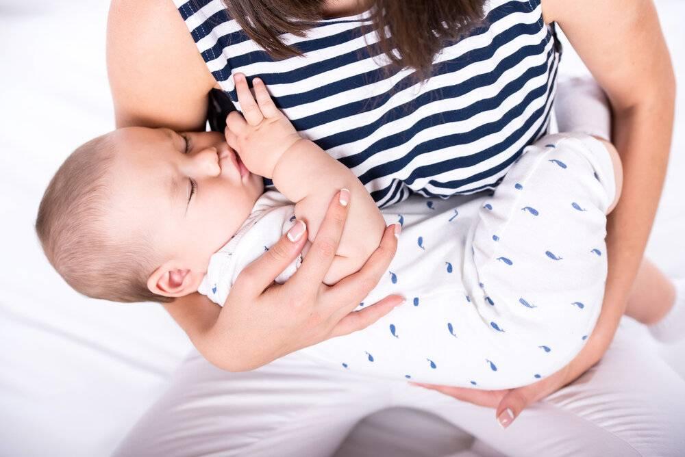 Как отучить грудного ребенка от укачивания