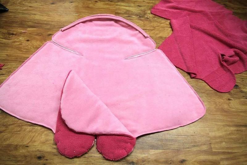 Как сшить кокон для новорождённого своими руками — варианты уютной постельки спицами, крючком, иголкой