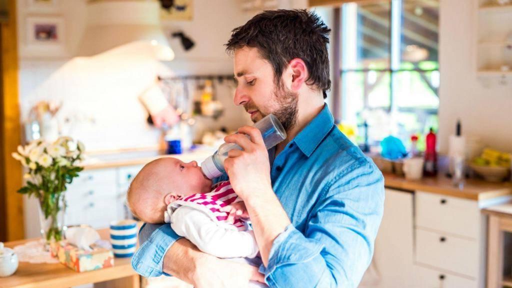 Может ли отец получить декретные вместо матери 2020