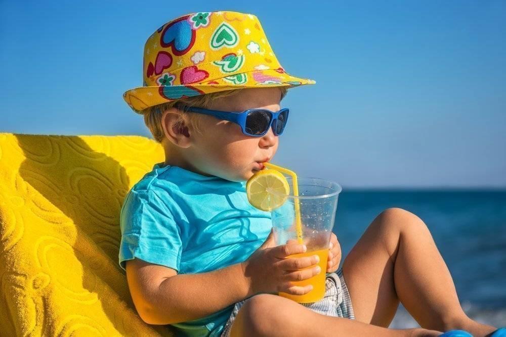 Самый продуманный список для поездки на море с ребенком: список вещей и лекарств для путешествия на машине, поезде, самолёте.