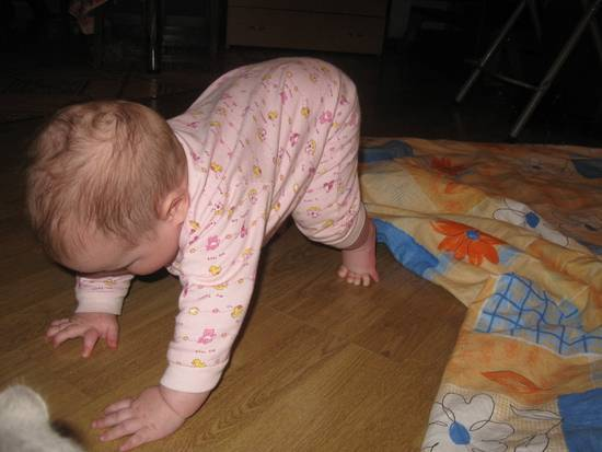 Почему ребенок еще не сидит в 7-9 месяцев