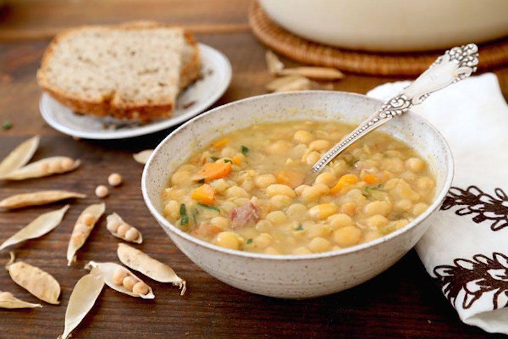 Когда можно давать ребенку гороховый суп