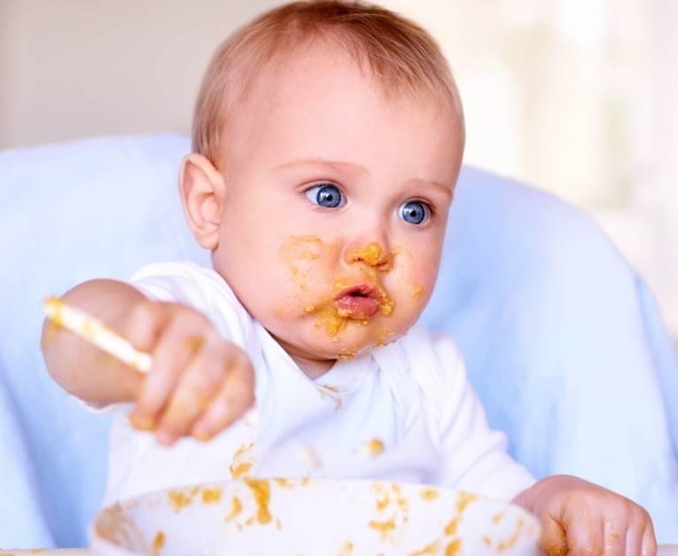 Ребенок не ест с ложки: 6 причин и 6 правил введения прикорма