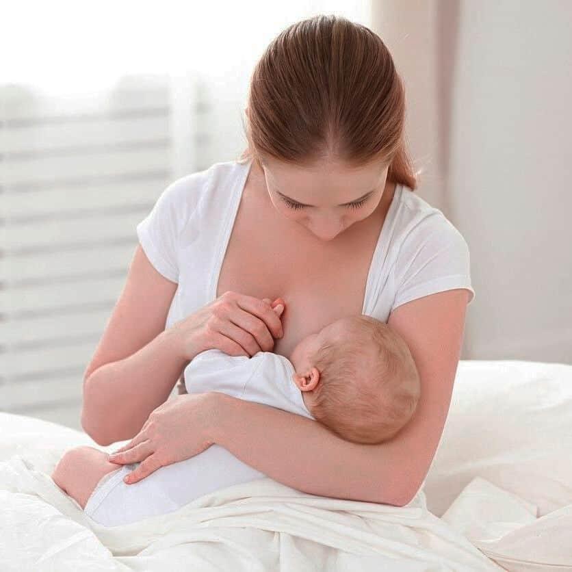 Симптомы болезни - боли в грудях при кормлении