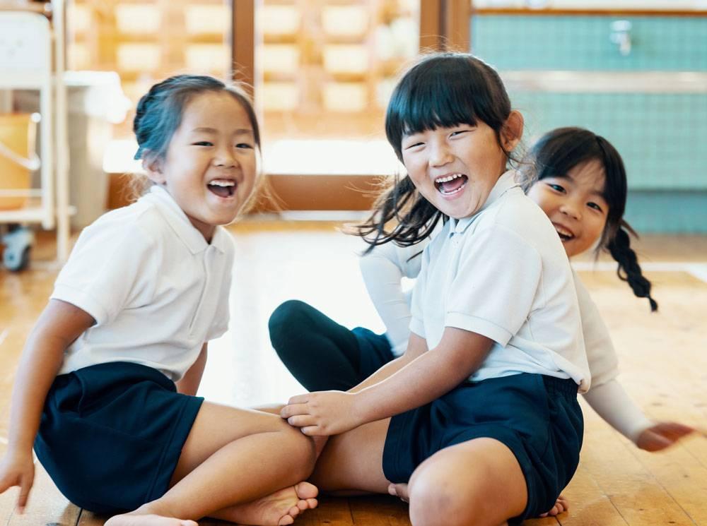 Как воспитывают детей в разных странах? - journalmydoc