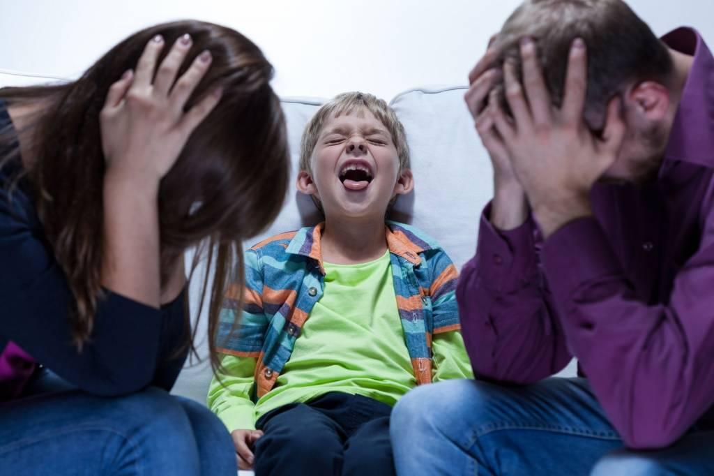 Ребёнок 8 лет не слушается: что делать