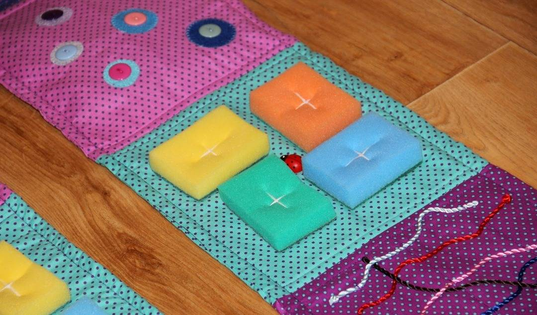 Массажный коврик для детей своими руками: мастер-класс
