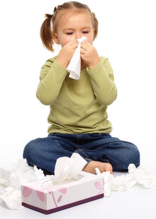 Как научить сморкаться ребенка в 2-3 года: видео (Комаровский)