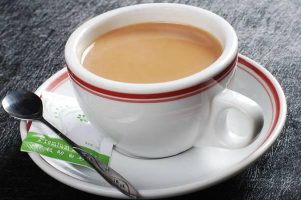 Чай с молоком при грудном вскармливании: польза, вред, рецепты и отзывы