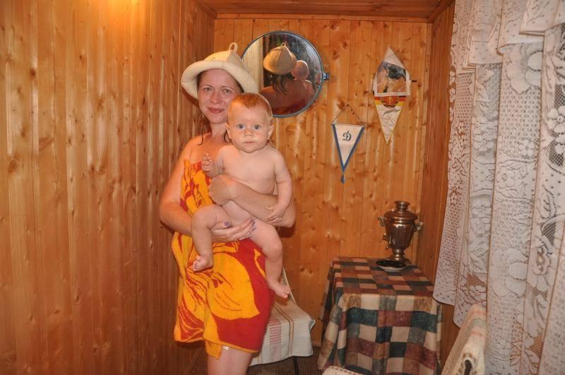Баня при грудном вскармливании: можно ли кормящей маме париться в сауне