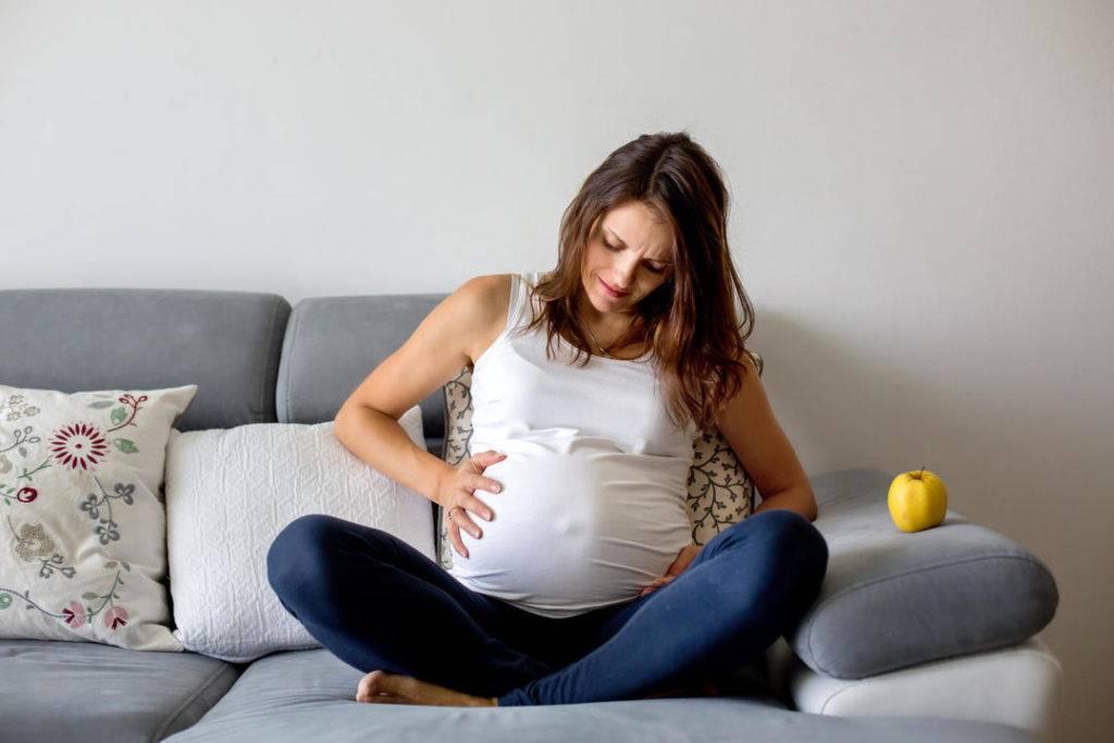 8 тем, которые любят обсуждать беременные