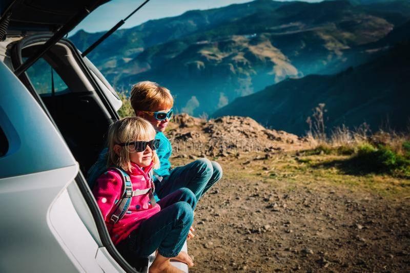 Поездка с маленькими детьми на море на машине: как подготовиться и что взять